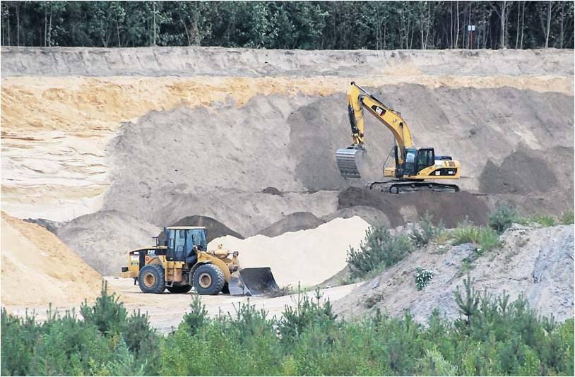 In dieser Sandkuhle am Weißenberg bei Driftsethe will der Bülkauer Bauunternehmer Jörg Freimuth eine Bauschutt-Deponie eröffnen. Foto NZ Archiv