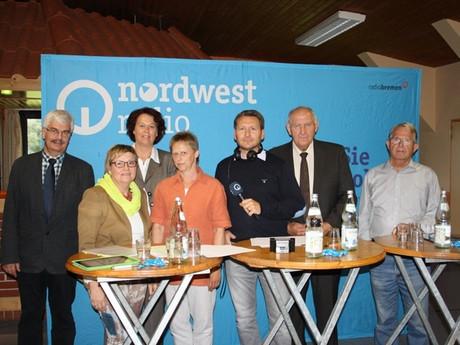 Diskussionsgruppe (v.l.:) Heinrich Schoene; Eva Viehoff;  Susanne Puvogel; Carla Mombeck; Martin Busch; Claus Goetjen und Bernd Ricker Foto: Nordwestradio