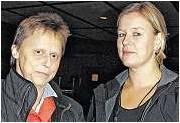 Riefen zu weiteren Aktionen auf: Karla Mombeck (links) und Gitta Brede. Foto Luise Bär