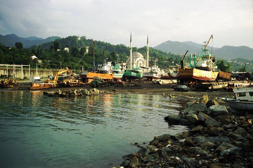 Çamburnu liegt malerisch an der türkischen Schwarzmeerküste. Foto: Pandora Film/ Corazon international
