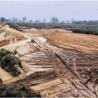 Von vollendeten Tatsachen sprechen die Mitglieder der Bürgerinitiative M.U.T.: Die jetzt ausgeführten Bodenarbeiten des Besitzers der Sandgrube Driftsethe-Weißenberg sei eine großflächige Lebensraumzerstörung. Bär Foto: Bär