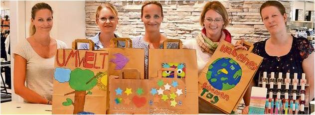 Verbündete im Kampf gegen Plastiktüten (von links): Kristina Holscher (Modehaus Holscher), Nadja Welker (Grundschule Loxstedt), Stefanie Giesemann (Modehaus Holscher), Tina Busch (Grundschule Stotel) und Jasmine Claassen-Braun (Grundschule Bexhövede). Foto Schmonsees